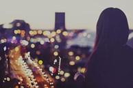 Lấy nhau không có tình yêu, chồng vẫn đối xử dịu dàng khiến chị dần yêu anh nhưng một đêm, đọc được tin nhắn này của anh, chị uất hận lập tức ly hôn