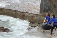 Nhân viên và chủ quán cà phê vứt rác xuống biển bị phạt 35 triệu đồng