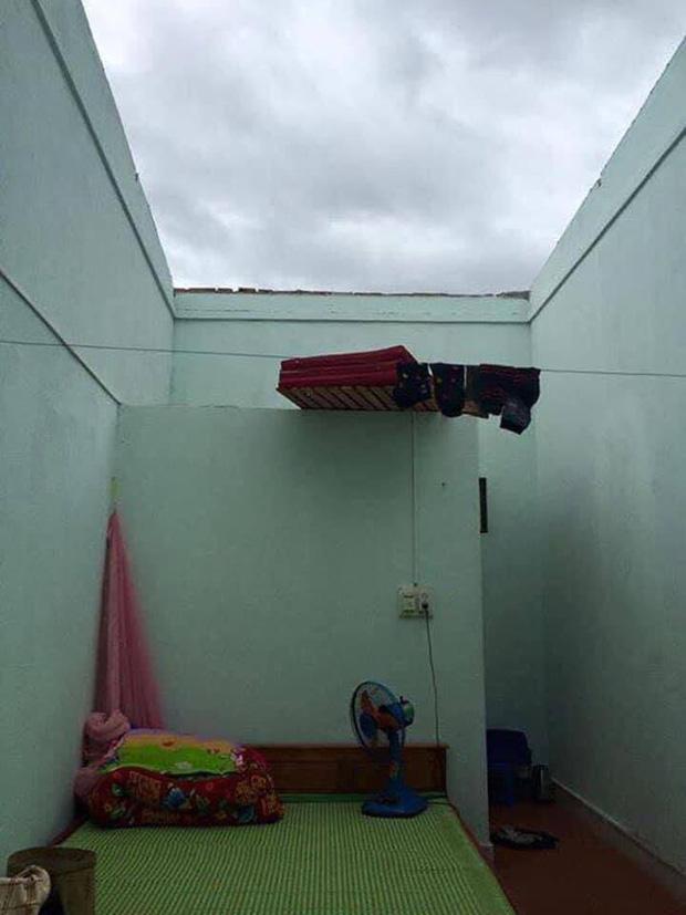 Sinh viên Đà Nẵng khóc ròng nhìn phòng trọ ngập tận mép giường, cả đêm thức trắng tát nước ra ngoài-6