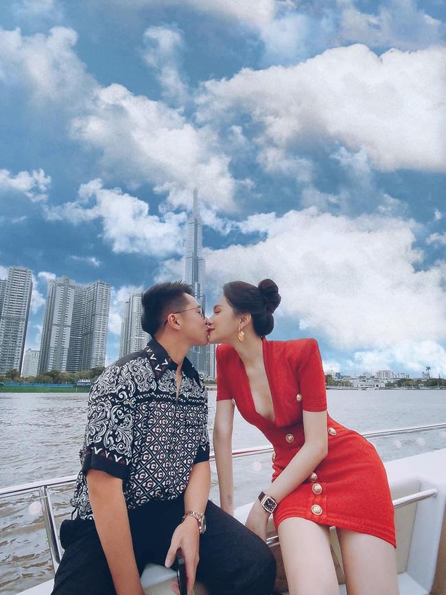 Hot: Hương Giang công khai ảnh khóa môi bạn trai CEO Singapore-1