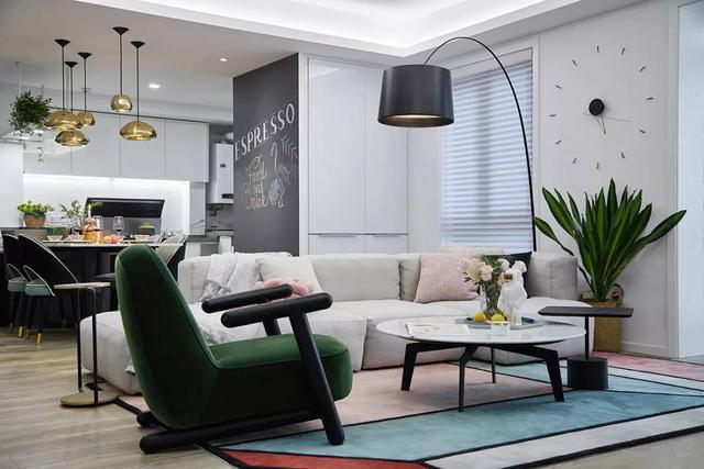 Ai nói ghế sofa bắt buộc phải được kê dựa vào tường? Hãy phá vỡ bố cục truyền thống này để căn phòng rộng rãi và tiện nghi hơn gấp bội-3