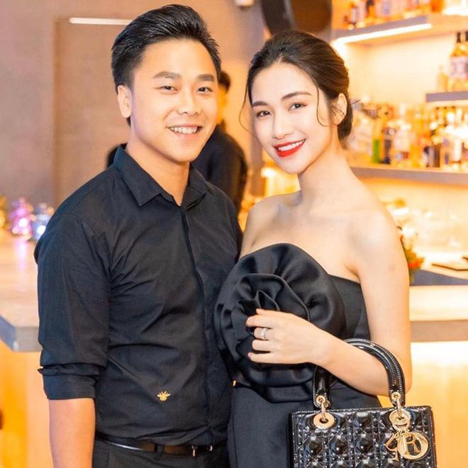 Bạn trai Hương Giang đọ bạn trai Hoà Minzy: 2 thiếu gia với tài sản khủng, cưng chiều người yêu trên mạng cho đến ngoài đời-4