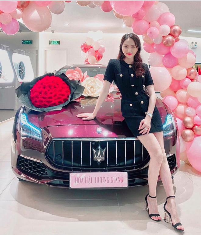 Bạn trai Hương Giang đọ bạn trai Hoà Minzy: 2 thiếu gia với tài sản khủng, cưng chiều người yêu trên mạng cho đến ngoài đời-21