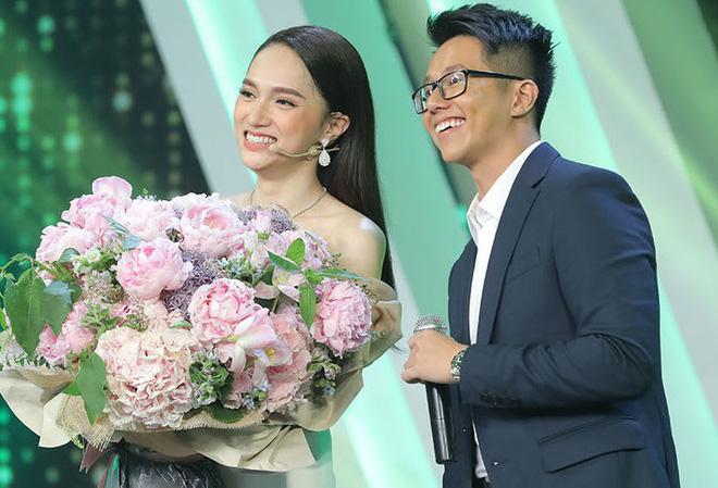 Bạn trai Hương Giang đọ bạn trai Hoà Minzy: 2 thiếu gia với tài sản khủng, cưng chiều người yêu trên mạng cho đến ngoài đời-22