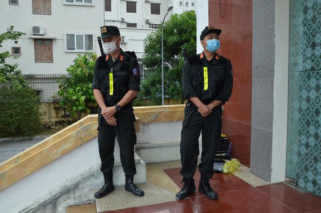 Cùng tội danh, vợ Đường Nhuệ bực tức tại tòa vì bản án bị đề nghị ngang Giám đốc Trung tâm dịch vụ đấu giá-3