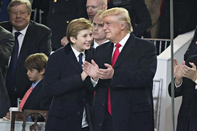 Ngoài diện mạo lạnh lùng khí chất, Hoàng tử Nhà Trắng Barron Trump còn gây sốt khi chơi thể thao, nổi bật hơn tất thảy-1