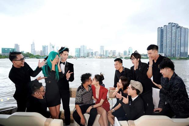 Bị chê vô duyên vì ngồi lên đùi Erik ngay trước mặt bạn trai thiếu gia, Hoà Minzy tag hẳn chồng vào làm rõ mười mươi-4