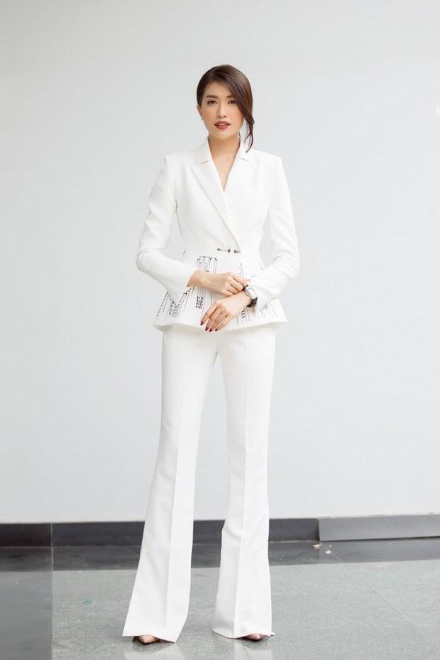 Ốc Thanh Vân ở nhà chăm con mặc bình dân, đổi style theo hội nữ tổng tài liền lên đời-13