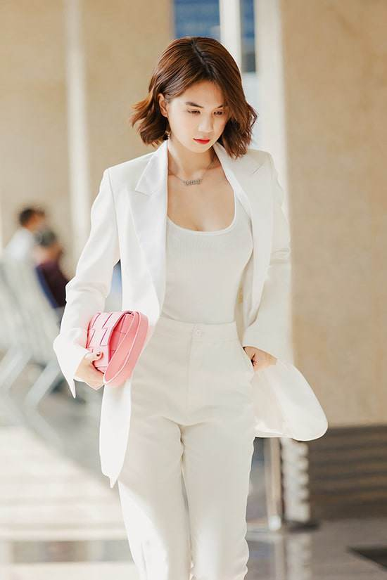 Ốc Thanh Vân ở nhà chăm con mặc bình dân, đổi style theo hội nữ tổng tài liền lên đời-15
