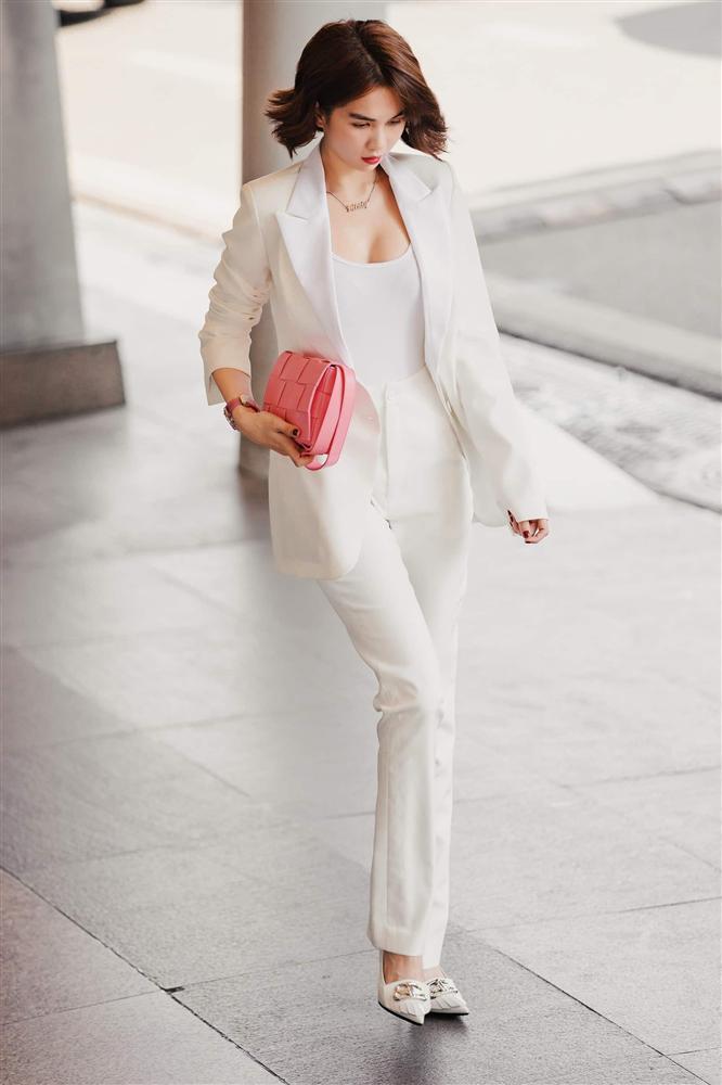 Ốc Thanh Vân ở nhà chăm con mặc bình dân, đổi style theo hội nữ tổng tài liền lên đời-16