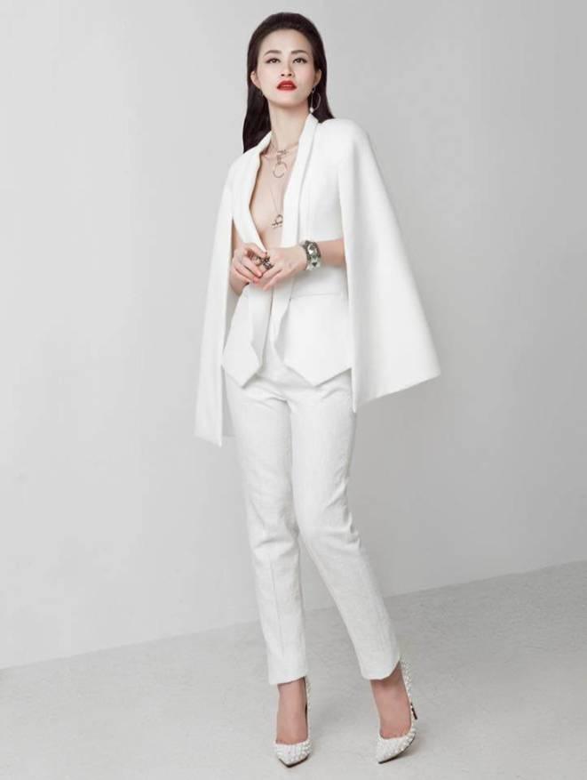 Ốc Thanh Vân ở nhà chăm con mặc bình dân, đổi style theo hội nữ tổng tài liền lên đời-21