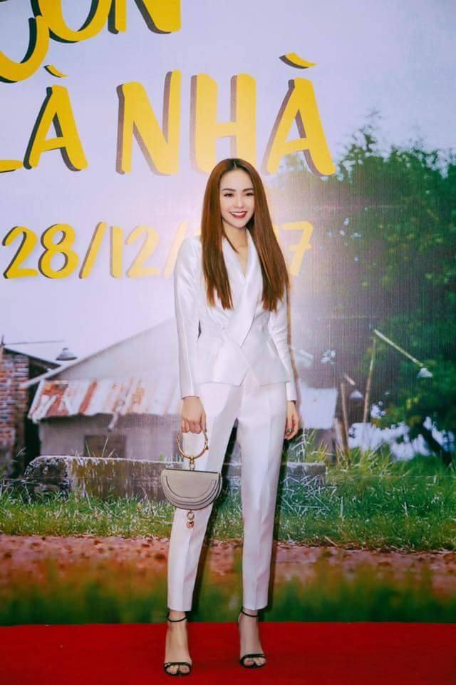 Ốc Thanh Vân ở nhà chăm con mặc bình dân, đổi style theo hội nữ tổng tài liền lên đời-22