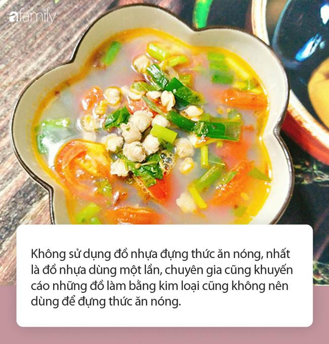 Từ câu chuyện dùng tô nhựa đựng canh nóng trong ngày đầu ra mắt nhà người yêu, chuyên gia chỉ ra thói quen ăn uống phải từ bỏ ngay của người Việt-3