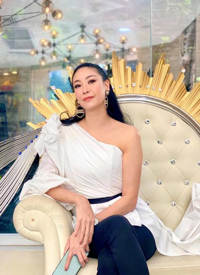 Khoảnh khắc Hà Kiều Anh mặc áo tắm đăng quang ngôi vị Hoa hậu Việt Nam cách đây 28 năm khi mới tròn 16 tuổi hot trở lại-1