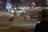 2 thanh niên chạy xe máy, đánh võng tóe lửa trên đường và bức ảnh tiết lộ cái kết đau thương