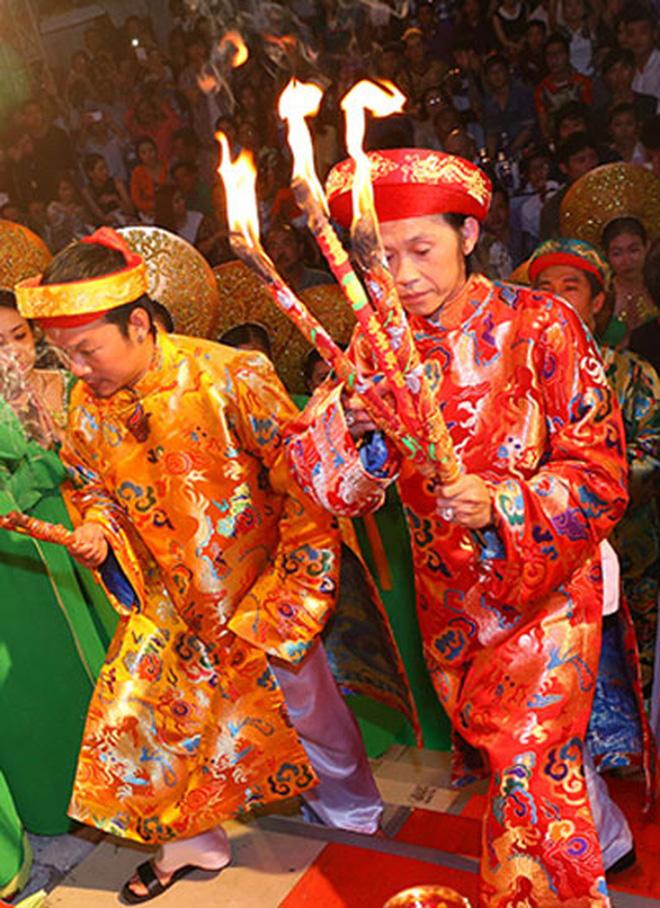 NS Hoài Linh thông báo sẽ không tổ chức lễ giỗ Tổ sân khấu tại đền thờ 100 tỷ, nguyên nhân được chính chủ hé lộ!-4
