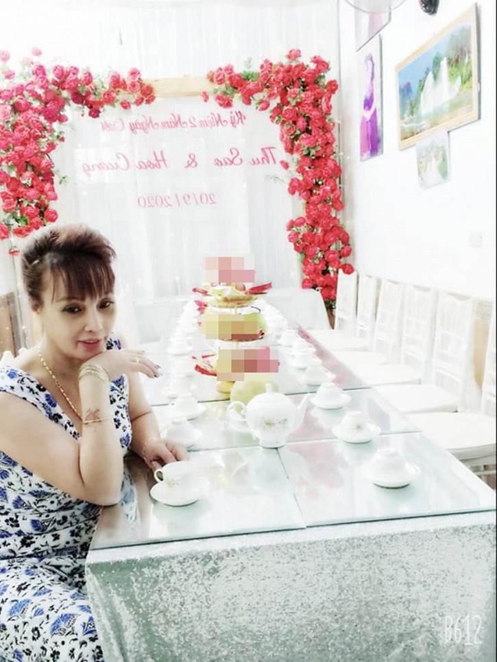 Tổ chức tiệc kỉ niệm ngày cưới hoành tráng, chị Thu Sao bị mỉa mai nhan sắc méo mó-2