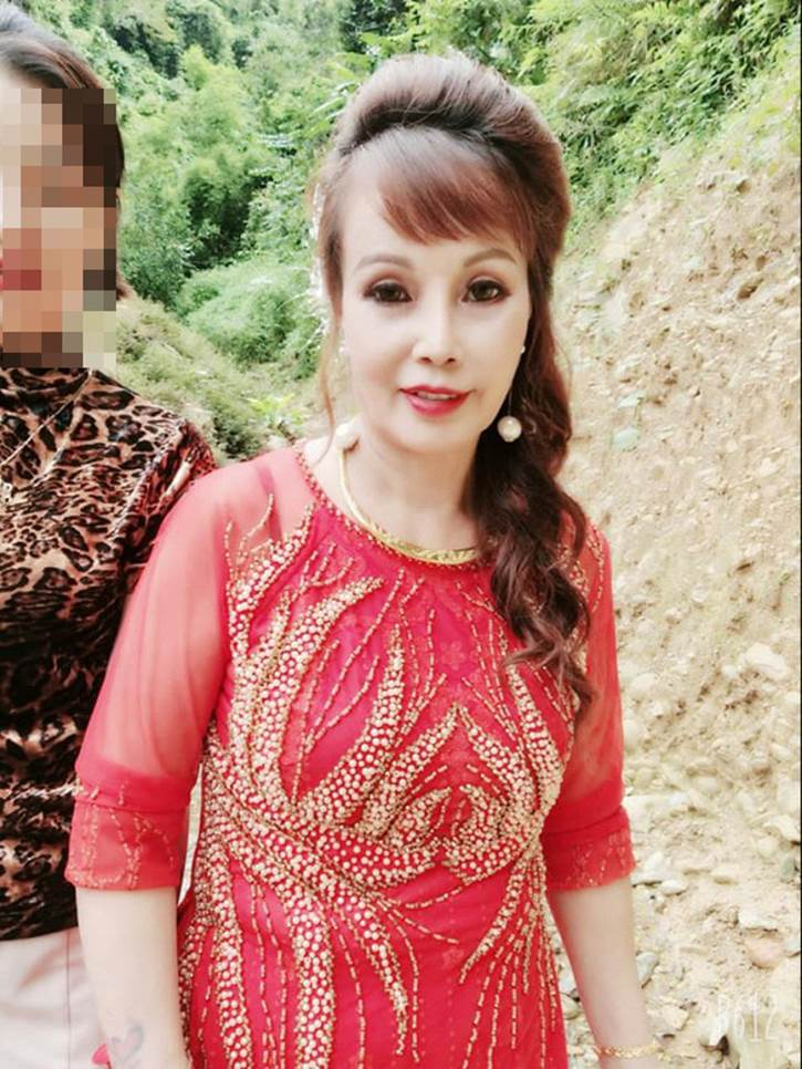 Tổ chức tiệc kỉ niệm ngày cưới hoành tráng, chị Thu Sao bị mỉa mai nhan sắc méo mó-5