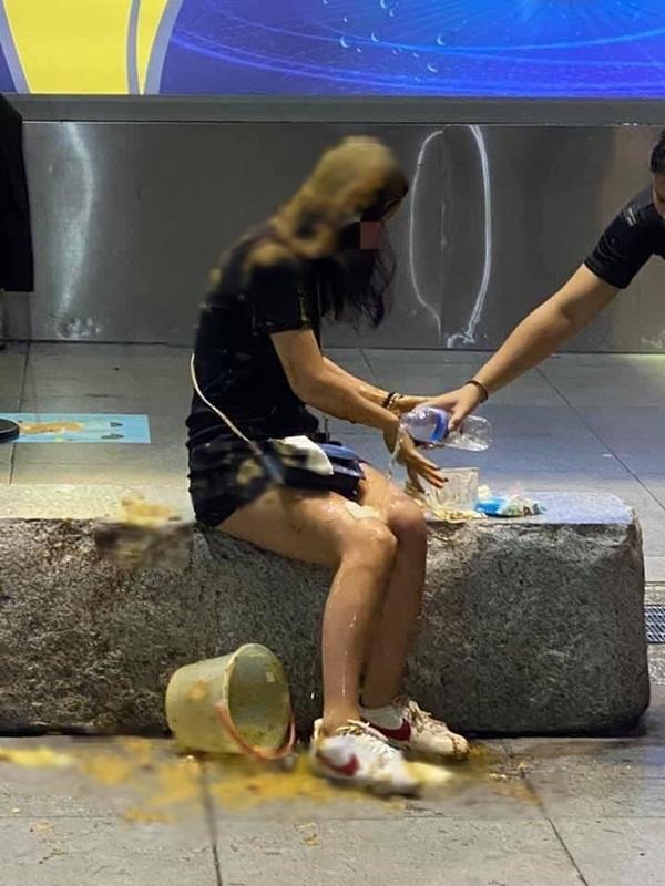 Tán gái nhưng bị chê lùn, gã đàn ông trả thù cô gái khẩu nghiệp bằng phương pháp không thể dơ bẩn hơn-3