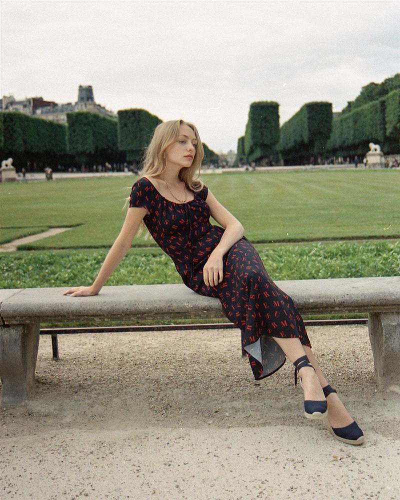 Trời se lạnh mà quẩy váy dáng dài là style sẽ yêu kiều như gái Pháp, điểm sang chảnh cũng tăng ngùn ngụt-3