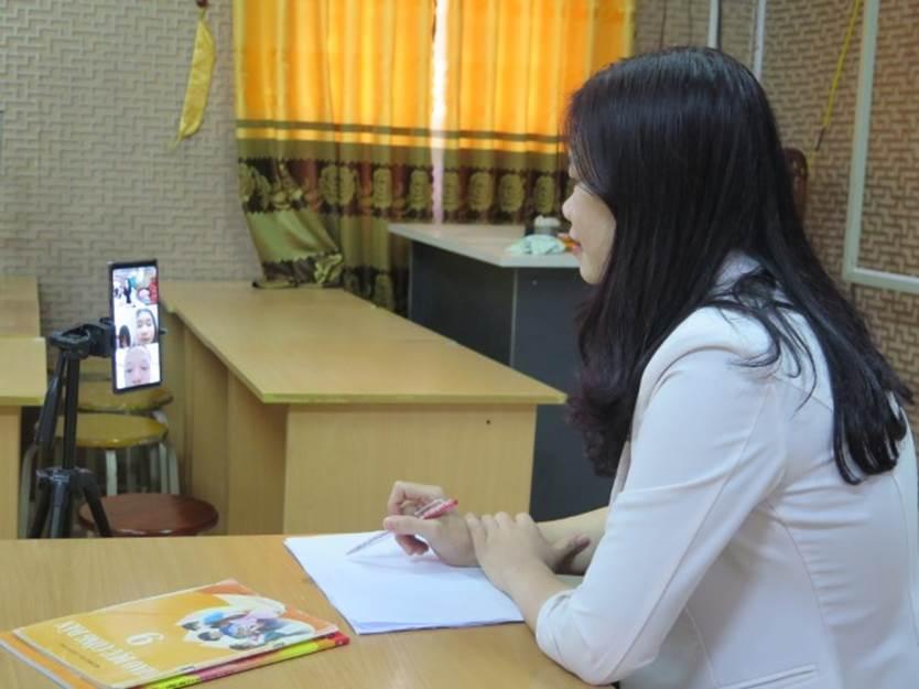 Học sinh sử dụng điện thoại trong giờ học: Cần hiểu đúng quy định-2