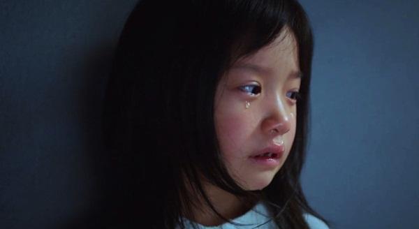 Nghe thấy tiếng búp bê khóc, bé gái 4 tuổi liên tục mất ngủ, người mẹ dửng dưng cho đến khi phát hiện sự thật kinh hoàng-3