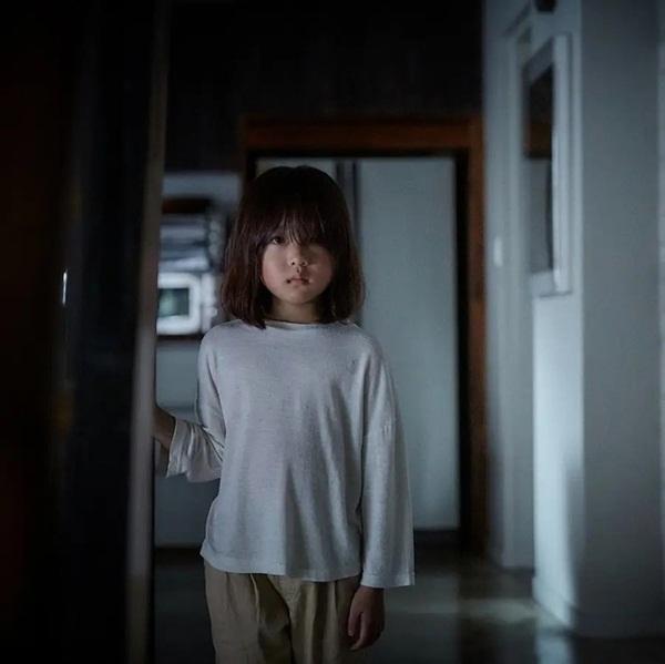Nghe thấy tiếng búp bê khóc, bé gái 4 tuổi liên tục mất ngủ, người mẹ dửng dưng cho đến khi phát hiện sự thật kinh hoàng-4