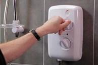 Sử dụng bình nóng lạnh như thế nào để tiết kiệm điện? Khi nghe người thợ điện nói, tôi mới biết gia đình mình đã làm sai