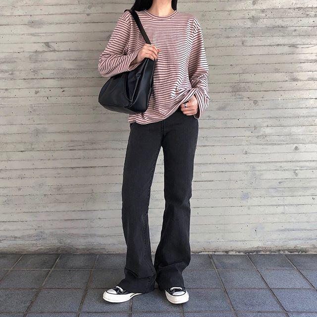 Jeans ống loe: Chiếc quần tôn dáng bậc nhất thu này nhưng liệu bạn đã biết cách diện chuẩn?-4