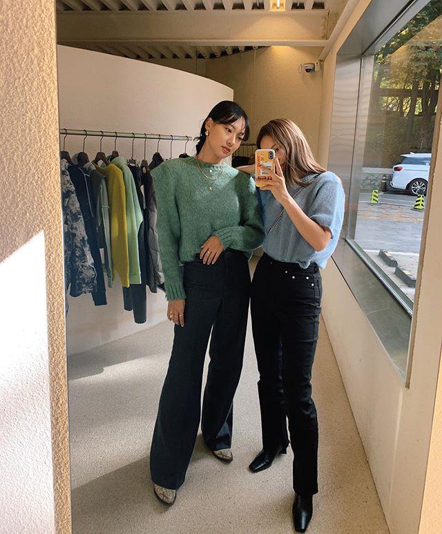 Jeans ống loe: Chiếc quần tôn dáng bậc nhất thu này nhưng liệu bạn đã biết cách diện chuẩn?-6