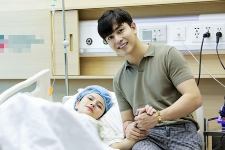 Thu Thủy đã sinh con gái cho chồng trẻ, hé lộ gương mặt cực đáng yêu của nhóc tỳ