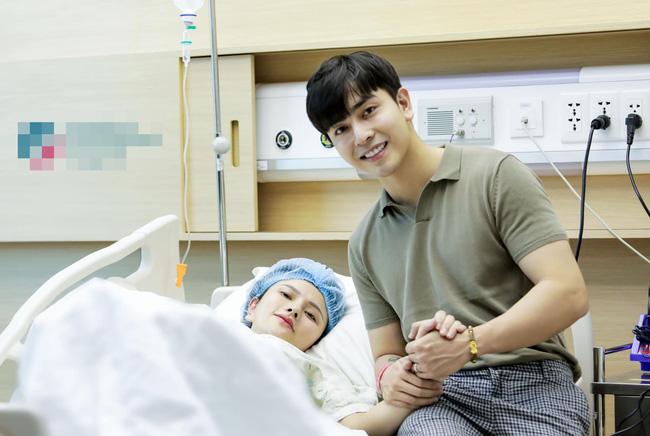 Thu Thủy đã sinh con gái cho chồng trẻ, hé lộ gương mặt cực đáng yêu của nhóc tỳ-1