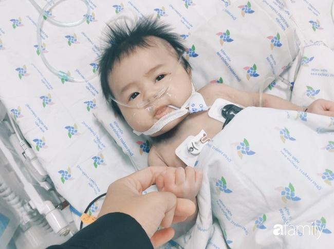 Bé trai 2 tháng tuổi suy hô hấp, nguy kịch do mẹ liên tục ăn củ dền trong thai kì và sau sinh-1