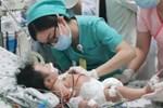 Bé trai 2 tháng tuổi suy hô hấp, nguy kịch do mẹ liên tục ăn củ dền trong thai kì và sau sinh