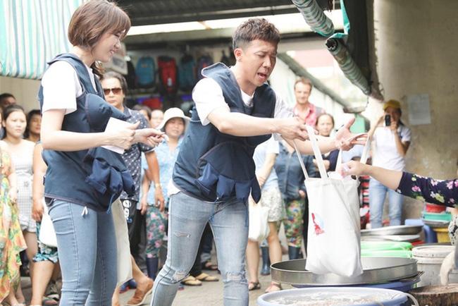 Loạt tình huống khốn đốn khi sao Việt đi chợ: Hài hước nhất là Trấn Thành, Trường Giang bị sờ má, kéo áo giữa khung cảnh náo loạn-6