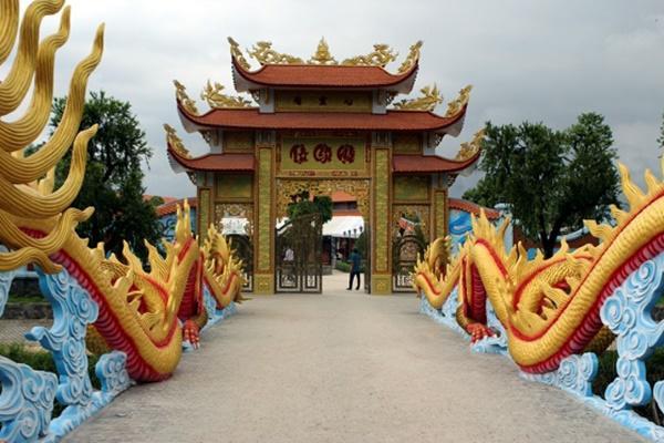 Hoài Linh tạm đóng cửa nhà thờ Tổ 100 tỷ, dân tình tò mò không biết bên trong có gì?-4