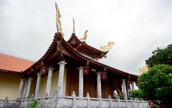 Hoài Linh tạm đóng cửa nhà thờ Tổ 100 tỷ, dân tình tò mò không biết bên trong có gì?-11