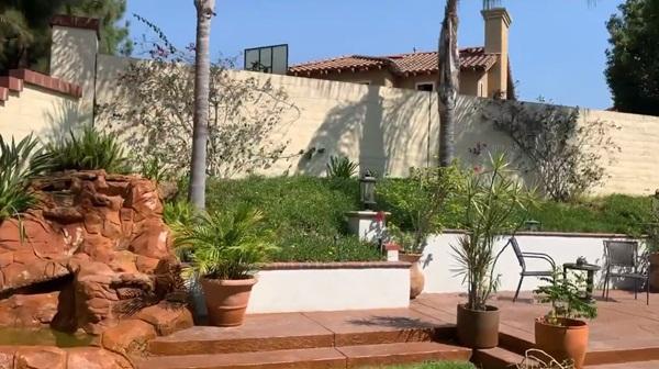 Giữa ồn ào chuyện con trai Ngô Kiến Huy, Thanh Thảo khoe vườn nhà xanh mát trong biệt thự triệu đô ở Mỹ-12