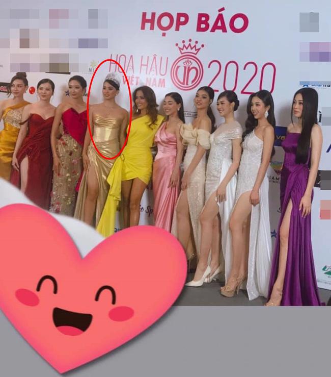 """Bóc trần"""" nhan sắc thật của dàn Hoa hậu, Á hậu Việt Nam qua ảnh chưa photoshop, bất ngờ nhất là vẻ già dặn của Tiểu Vy-1"""