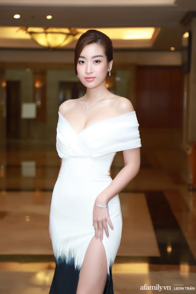 """Bóc trần"""" nhan sắc thật của dàn Hoa hậu, Á hậu Việt Nam qua ảnh chưa photoshop, bất ngờ nhất là vẻ già dặn của Tiểu Vy-5"""