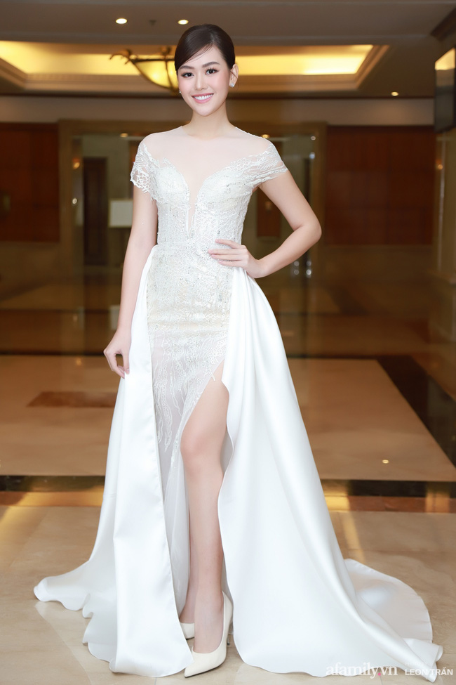 """Bóc trần"""" nhan sắc thật của dàn Hoa hậu, Á hậu Việt Nam qua ảnh chưa photoshop, bất ngờ nhất là vẻ già dặn của Tiểu Vy-10"""