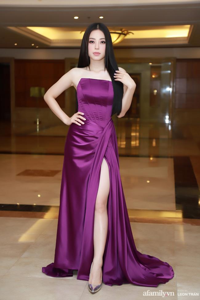 """Bóc trần"""" nhan sắc thật của dàn Hoa hậu, Á hậu Việt Nam qua ảnh chưa photoshop, bất ngờ nhất là vẻ già dặn của Tiểu Vy-7"""