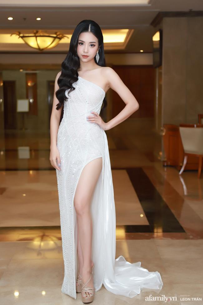 """Bóc trần"""" nhan sắc thật của dàn Hoa hậu, Á hậu Việt Nam qua ảnh chưa photoshop, bất ngờ nhất là vẻ già dặn của Tiểu Vy-8"""