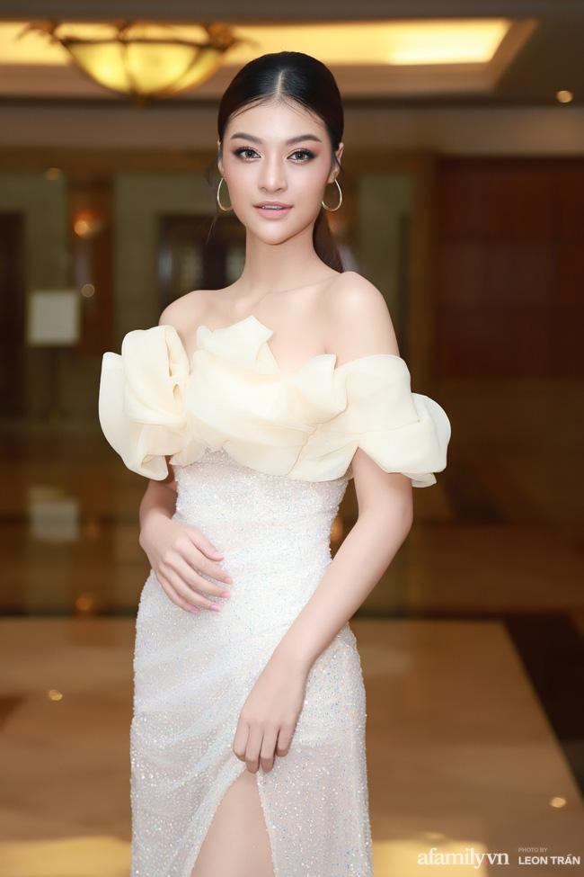"""Bóc trần"""" nhan sắc thật của dàn Hoa hậu, Á hậu Việt Nam qua ảnh chưa photoshop, bất ngờ nhất là vẻ già dặn của Tiểu Vy-9"""