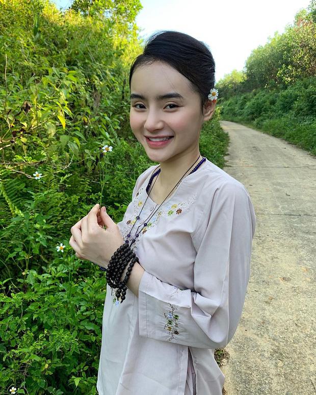 Em gái Angela Phương Trinh ngày càng thăng hạng nhan sắc, nổi bật với khí chất mỹ nhân-9