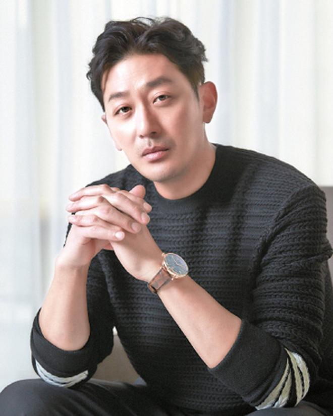 """Vụ bê bối săn gái"""" chấn động của loạt tài tử hạng A Jang Dong Gun, Joo Jin Mo chính thức khép lại: Kẻ ác đi tù từ chị đến em!-3"""