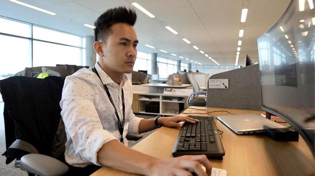 Con trai kỹ sư hàng không của Hoài Linh nói về tin đồn thất nghiệp tại Mỹ, tiết lộ thứ giá trị nhất được ba cho-2
