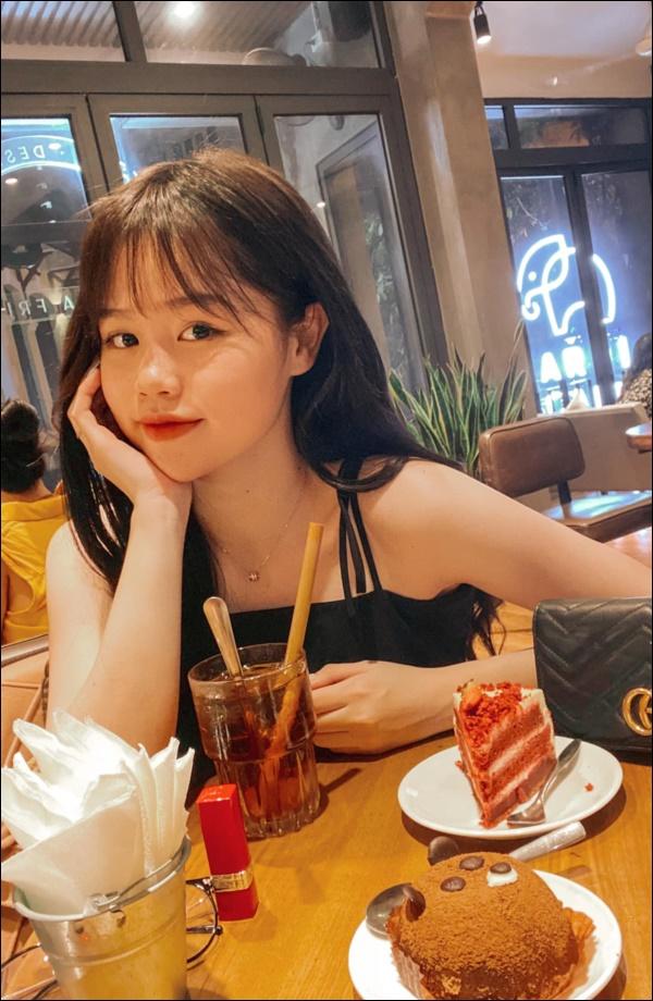 Huỳnh Anh khoe mâm cơm 2 người ăn do chính mình trổ tài,dân tình chúc mừng Quang Hải Đúng là có số hưởng-1
