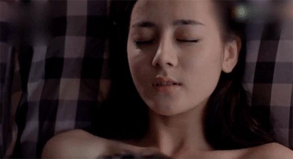 Cảnh 18+ gây xấu hổ thời còn vô danh của Địch Lệ Nhiệt Ba: Chủ động khỏa thân trước mặt bạn diễn nam-6