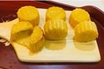 Cách làm bánh trung thu trứng muối tan chảy vừa độc lạ vừa thơm ngon khiến cả nhà thích thú
